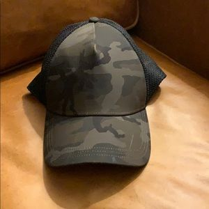 Rare, sold out, camo Lululemon trucker hat green